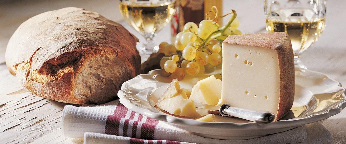 Популярные виды швейцарских сыров
